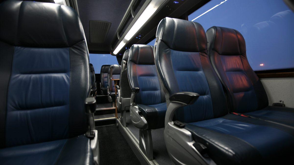 flota-alquilar-minibus-bcn